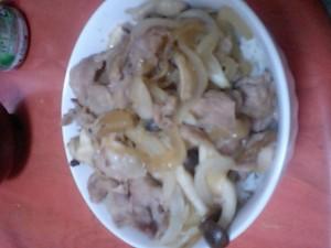 キノコ豚丼